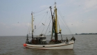 Fischkutter bei der Einfahrt in den Dangaster Hafen